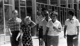 Николай Добронравов, Александра Пахмутова, Владимир Модель, Алиса Дебольская и Олег Газман в «Орлёнке». 1965 г.